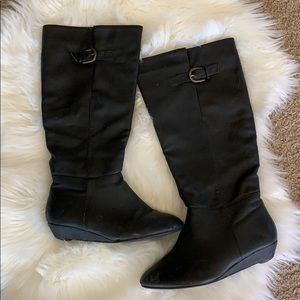 Black Boots w/ Buckle